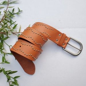 NWOT BCBG Size S Leather Studded Belt
